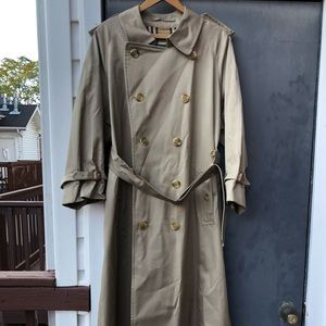 Burberry Men's Trenchcoat size mens 40 Long